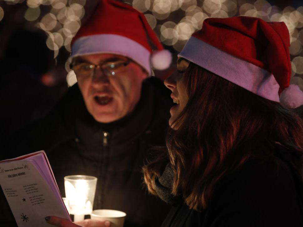 Christmas in Banburyshire - Brackley Community Radio invites the town to its virtual Carol Service and it wants your songs