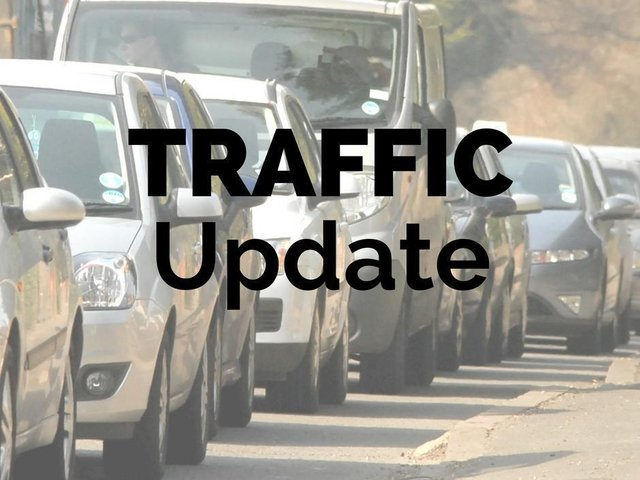 Highways England has closed one lane all the way around a roundabout, which is causing some congestion on the northbound exit slip road of the M40 near Banbury.