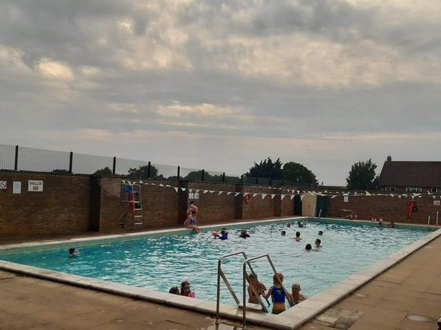 The Chipping Norton Lido is set for reopening next week despite being hit by a burglary earlier this week. (Image from Chipping Norton Lido Tweet)