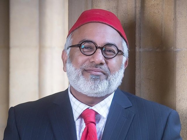 Incoming High Sheriff for Oxfordshire, Imam Monawar Hussain, is inviting award nominations to honour those who have played their part in the battle against Covid-19.