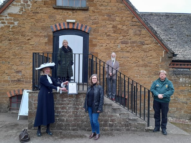 Mrs Amanda Ponsonby, High Sheriff of Oxfordshire, presented the award to volunteers with the Hooky Neighbours community support group. - Pictured: High Sheriff Amanda Ponsonby (on her last day) volunteer, Michelle Dix, Janeen Wilson, chair of Hook Norton Parish Council, Keith Abbott and James Clarke, the managing director of Hook Norton Brewery.