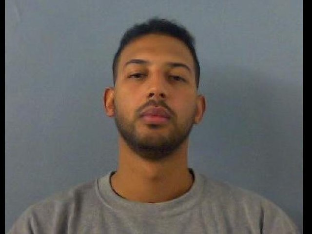 Lewis Abubakar, aged 29, is wanted by police after he absconded from lawful custody in Banbury yesterday, Thursday April 15. (Image from Thames Valley Police)