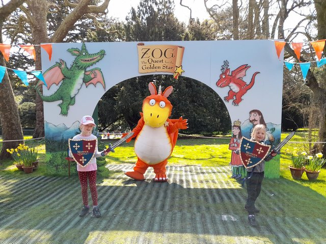 Eowyn and Hope Elofson pose for a photo with Zog at Warwick Castle