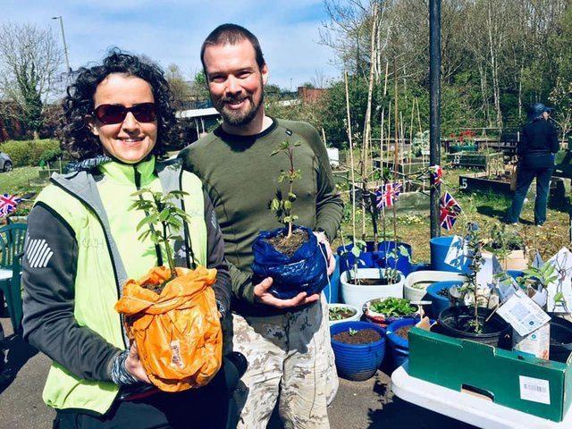 Zsofia Buda and Tim Jones, who are volunteers for both Banbury CAG and Banbury Trees, dropped off a few trees at the Banbury seed swap event held last weekend