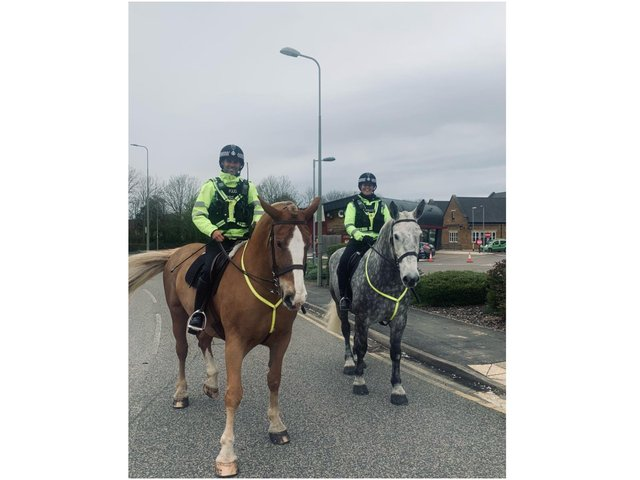 Mounted police officers help in Banbury neighbourhood patrols for national anti-knife campaign (Image from TVP Cherwell Facebook page)