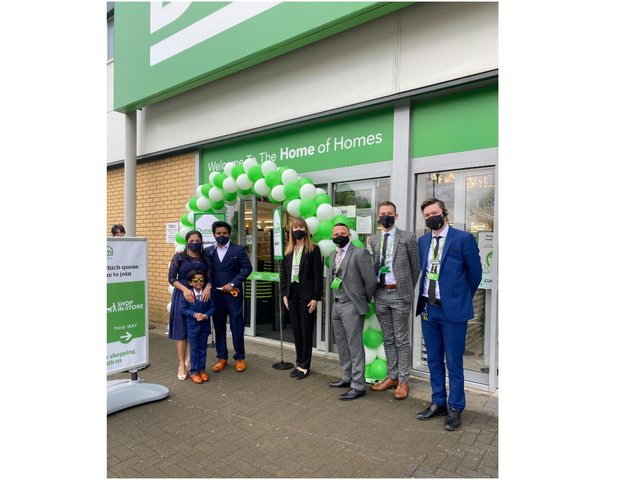 The Dunelm Banbury store, which has almost doubled in size, was officially opened by Facebook Community Support local hero, Prabhu Natarajan and his family