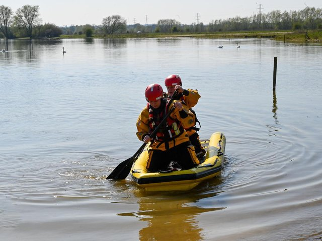Fire service urges Banbury area residents to 'stay safe in the water' over bank holiday weekend (Image from Northamptonshire Fire and Rescue Service)