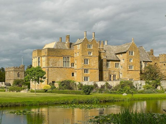 A screening of Shakespeare in Love will be held at Broughton Castle on May 29 (File Banbury Guardian image)