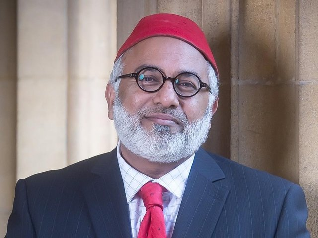 High Sheriff for Oxfordshire, Imam Monawar Hussain, has launched a Covid heroes programme