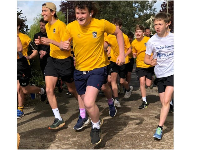 Students from Wilson House at Bloxham School completed a half marathon fundraising challenge for the charity Oxfordshire Mind (Image from Bloxham School)