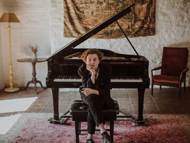 Banbury singer-songwriter Isaac Stuart