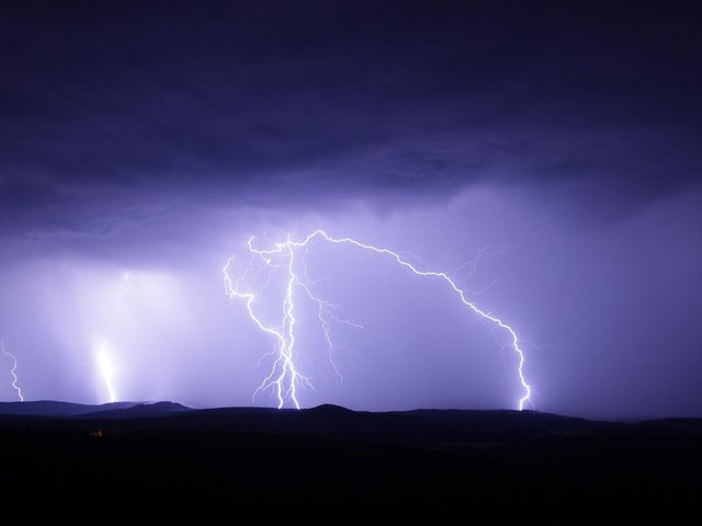 There is a risk of thunderstorms tomorrow (Friday June 18) through to Saturday for the Banbury area. (File photo)