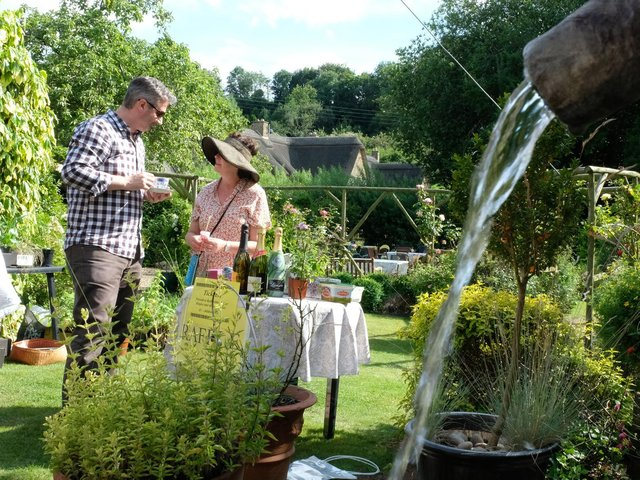Gardens in the Banburyshire village of Hornton open to the public to raise money for charity on Sunday