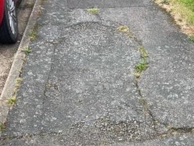 Residents have complained about the state of pavements on some streets in the Ruscote area of Banbury