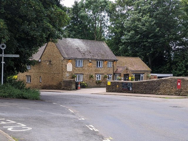 The Saye and Sele Arms landlord says his pub and restaurant will be cut off as highways contractors close the B4035 Banbury - Shipston Road during the evenings