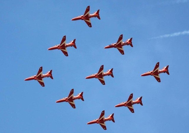 Red Arrows will fly over Banbury tomorrow morning at 9am (July 9). Photo: @MilitaryAirshow
